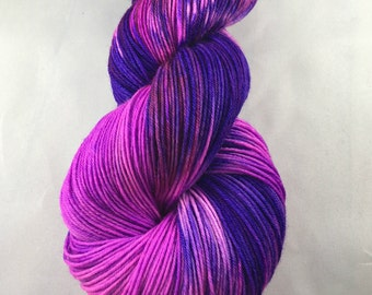 hand-dyed yarn, hand dyed sock yarn, hand dyed wool yarn, hand dyed worst yarn , hand dyed DK yarn, purple and dyed yarn, dyed merino wool
