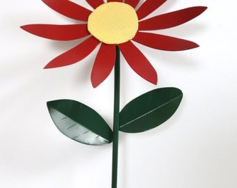 Custom Color Metal Daisy Yard Stake / Garden Decor