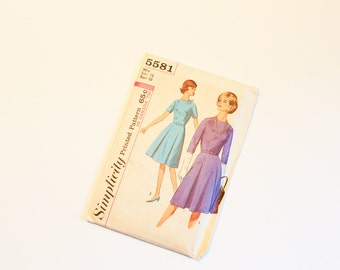 SIZE 18 5581 WOMEN'S Simplicity Sewing Pattern 1964 1960s Vintage Bust 38 A-line Inverted Pleats Skirt Dress Women Sleeves Mad Men