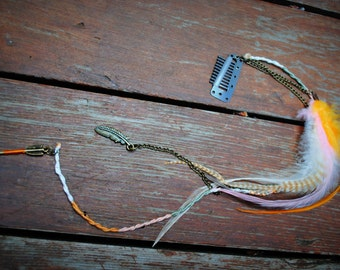 Rustic Tribe Feather Hair Clip w/ Chain