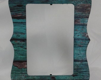 4 X 6 picture frame. Teal distressed wood panel look. Rectangle picture frame with scalloped edges.