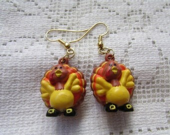 Vintage plastic turkey Thanksgiving pierced earrings