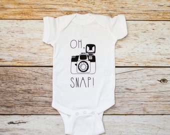 Oh Snap Shirt / Camera Baby Shirt / Vintage Camera Bodysuit / Photographer Gift / Oh Snap Bodysuit / Hipster Baby Clothes / Baby Shower Gift