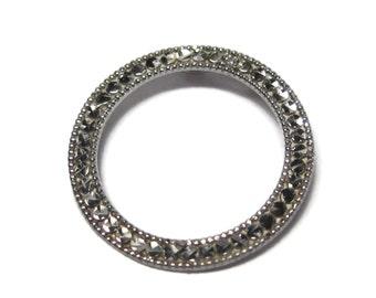 Dainty Vintage 10K White Gold Circle Pendant