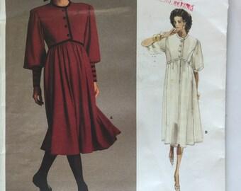 Vogue 1984 Albert Nipon Misses' Dress