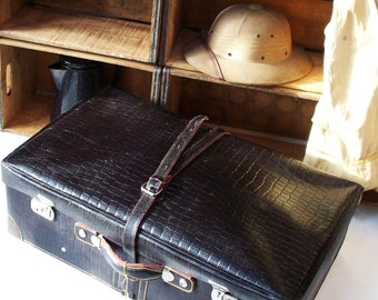 Vintage Large Leather Suitcase / Amazing Condition / Keys / Textured Black Leather with Yellow Stitching