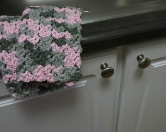 Crochet Dish Cloth Set in Pink Camouflage