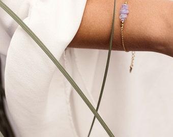 Amethyst bracelets. February birthstone. Delicate bracelet. Bead bracelet. Gift for her. Bridesmaid gift. Gemstone bracelet. Bead bracelets.