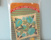 Crewel Embroidery Kit, Pillow Kit, Flower Embroidery, Vintage Embroidery, Floral Embroidery, Poppy Flower, Box Pillow
