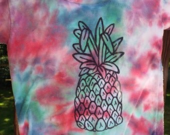 Toddler Pineapple Shirt, 2T Pineapple Tshirt, Toddler Tie Dye Fruit Shirt, Luau Shirt, Hawaiian Party, Little Boys, Little Girls, Fun Tees