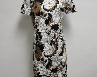 1257 - Vintage Dress Size L Brown White Black Floral Short Sleeve Knee Length 1970s