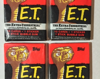 4 1982 vintage topps ET wax packs movie cards stickers