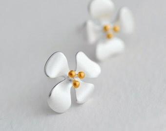 Golden Flower Post Earrings-925 Sterling Silver Stud Earrings Everyday Findings Wedding Jewelry