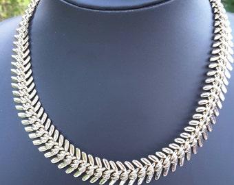 Cool Gold Tone Herringbone Graduated Bib Necklace