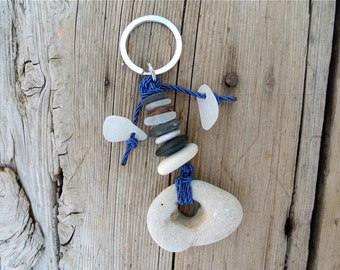 Beach Pebble Keychain, Stacked Beach Pebbles, Nautical Keychain, Sailing Accessoires, Gift for Him, Gift for Her, Seaglass Keychain