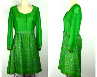 Vintage 1960s Dress / Alfred Shaheen 60s Green Long Sleeved Floral Dress / Med to Lg