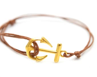 Golden anchor bracelet