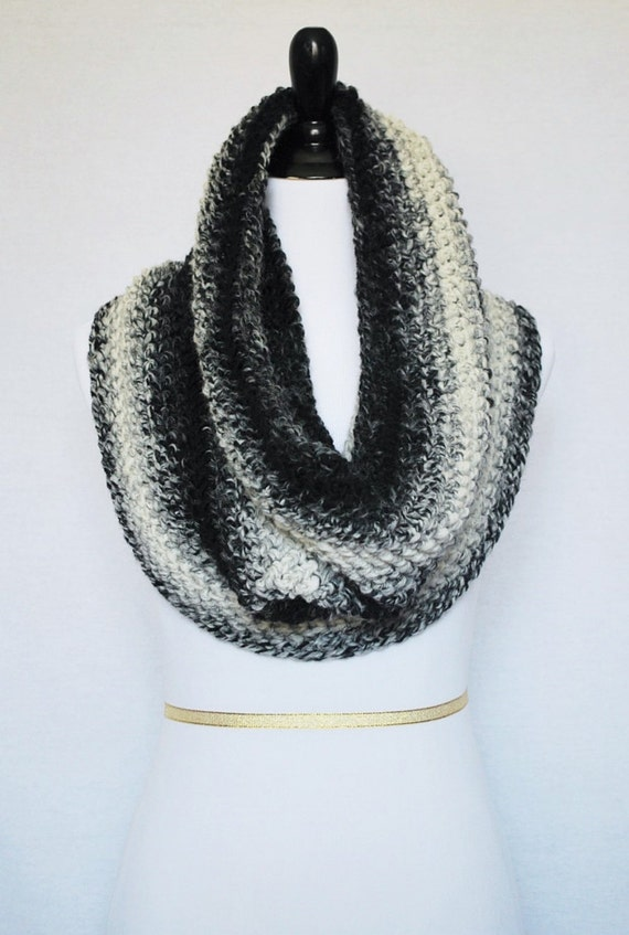 Black and Cream Crochet Scarf, Crochet Cowl, Plush Off White and Black Neck Warmer,  Infinity Scarf, Shoulder Wrap, Snood