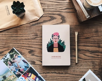 Sketchbook, notebook red A5, 72 pages for write and draw with Frida Kahlo, girl. Creamy and plain paper. By HIVER BOOKS