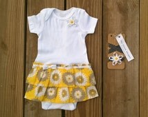 Sunflower Baby Dress. Yellow Infant Dress. Daisy Outfit for Baby Girls. Cotton Baby Dress. Country Dress. Ruffle Dress. Shirt Dress.