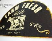 Large Metal Cow Sign - Farm Fresh Milk Wall Art - Farmhouse Home Decor - Dairy Creamery Metal Art - Farmhouse Decor  - Vintage Recreation