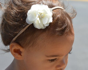Baby girl headband Cream