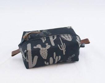 Small Dopp Bag in Cactus Print