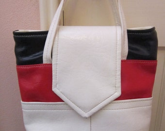 Vintage 1960's Red, White And Blue Vinyl Purse Handbag Practical, And Patriotic Too!