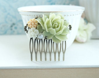 Green Flower Comb, Green Rose Comb, Green Comb, Green and Light Yellow, Ivory Floral Comb, Bridesmaid Gift, Maid of Honor Green Wedding Comb