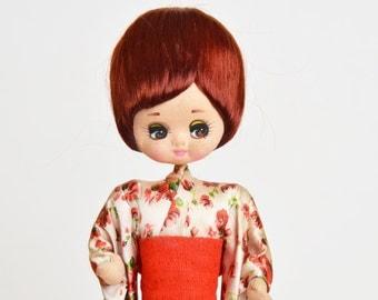 Vintage 60s MOD Japanese Geisha Kimono Pose Doll