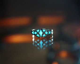 CELTIC toe ring GLOW in the DARK- 02