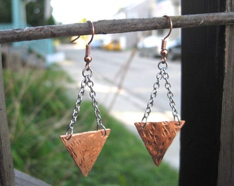 Hammered Copper Triangle Dangle Earrings / Textured Copper Triangle Earrings / Copper Earrings