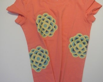 Amy Butler Print Applique on a Peach Cotton T shirt, Size 4
