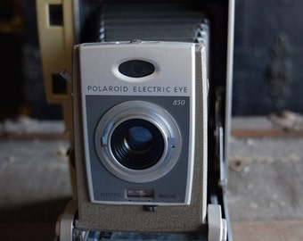 Polaroid 850 Electric Eye Camera - Land Camera - Polaroid Corporation - Made in the USA