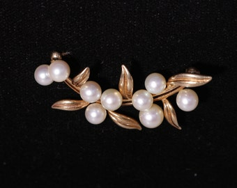 Pin/Brooch,14k rose gold, cultured pearls. Circa 1960's