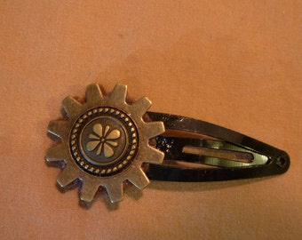 Steampunk gear snap hair clip