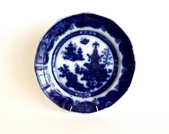 Flow Blue plate in an Asian pattern ~ Collectible Flow Blue Ironstone Transferware / Shabby Chic Decor / Gift for Mom
