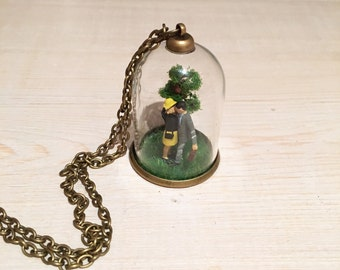 Miniature Terrarium Necklace, miniature people, glass terrarium, Kissing in the Park