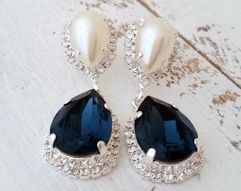 Navy blue pearl Chandelier earrings,Drop earrings,Navy blue Bridal earrings,Navy blue Bridesmaids earrings,Swarovski earring,crystal earring