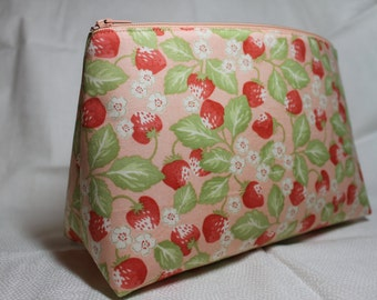 Zipper Pouch - Pink Berry