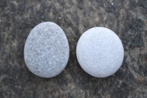 Craft stones craft pebbles flat stones beach pebbles grey for Flat stones for crafts