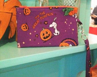 Halloween Peanuts/Snoopy Great Pumpkin on Purple Women/Girls Novelty Detachable Fabric Wristlet/Small Purse