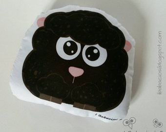 Cushion black sheep in Lilac