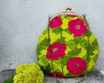 Retro-vintage style bag, green with Fuchsia peonies.  ·· MOD. AMY · ·