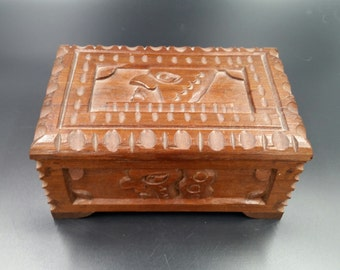 Vintage 1930's Mayan Hand Carved Art Box With Key Wonderful Original Condition Mid Century Glyphs Antique