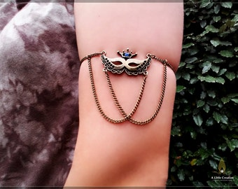 Summer bronze chain armlet slave with vintage bronze tone crown mask connector