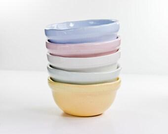 Set of 5 ceramic bowls