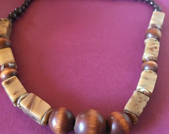 Chunky Wooded Beaded Necklace
