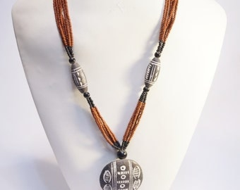 traditionnal terracotta necklace