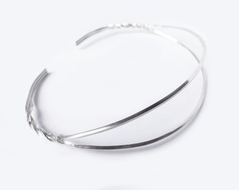 Sterling silver necklace. Minimalist and modernist.